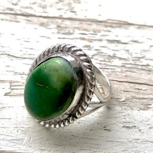 VINTAGE 925 Sterling Silver Green Turquoise Ring